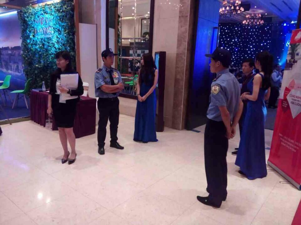 Bảo vệ Kiên Long Sài Gòn thực hiện nhiệm vụ tại trung tâm hội nghị  WHITE PALACE THÀNH PHỐ HỒ CHÍ MINH